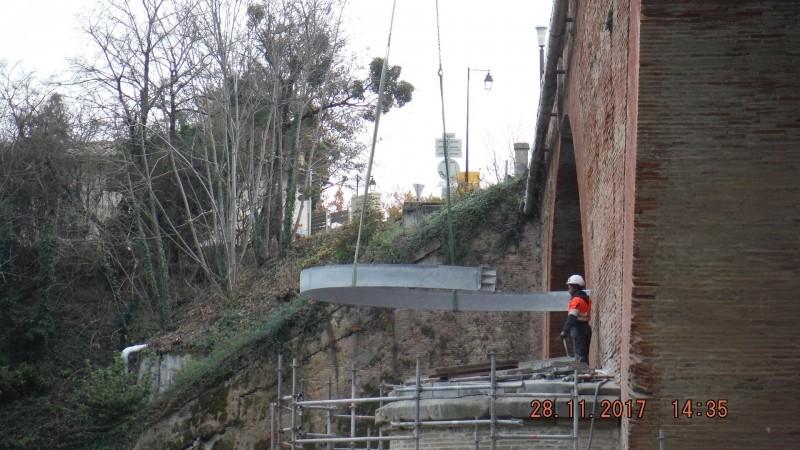 Ensemble de ceintures pour renforcement de piles de pont