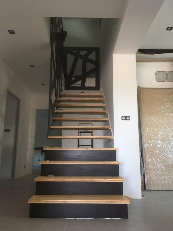 Escalier métallique suspendu 1/4 tournant 'Bonte'
