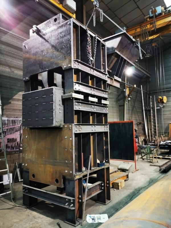 Bâtis pour presse hydraulique 100T