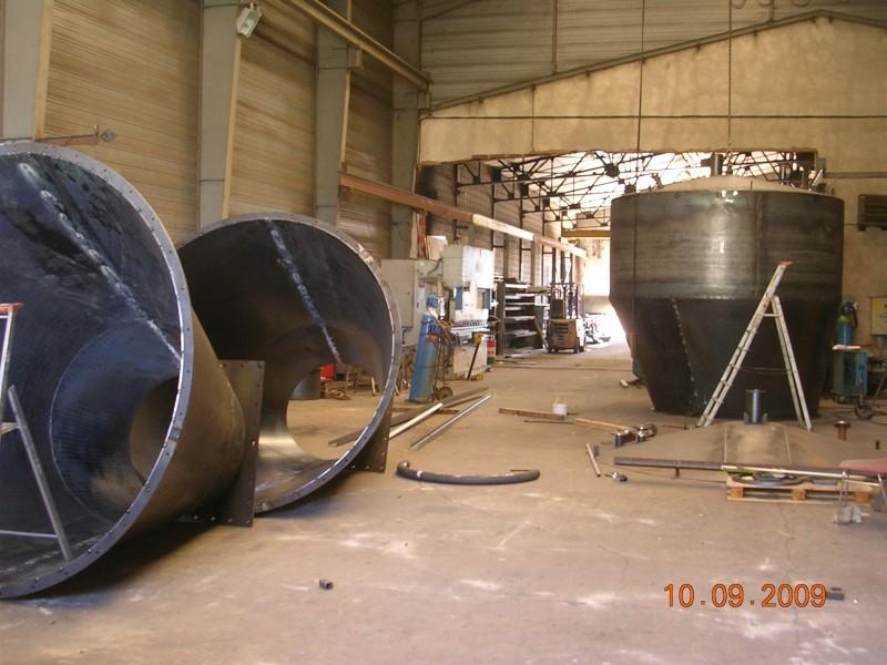 2 silos à cônes déportés