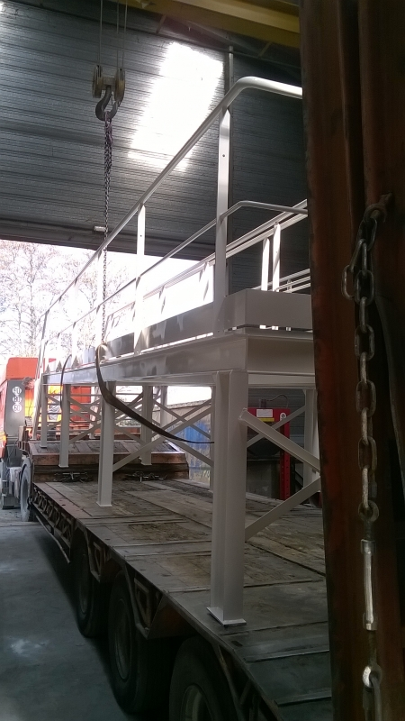Passerelles de bâchage pour poste de chargement camion