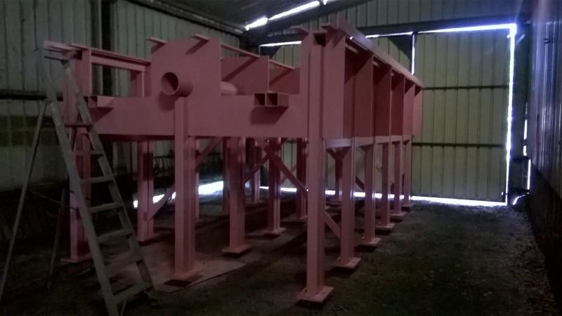 Passerelle métallique pour l'accès en sécurité à l'outil de production